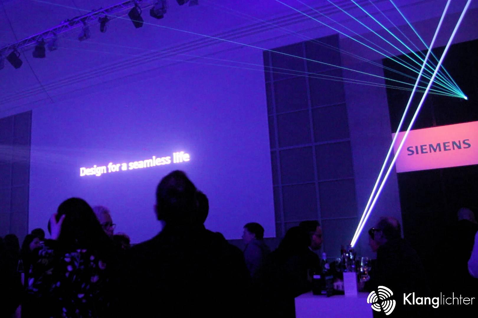 PROFESSIONAL Lasershow: Siemens Home Appliances Design Award 2018 - Schriftzug der Veranstaltung