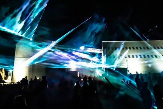 Atmosphärische Lasershow zum Stadtfest