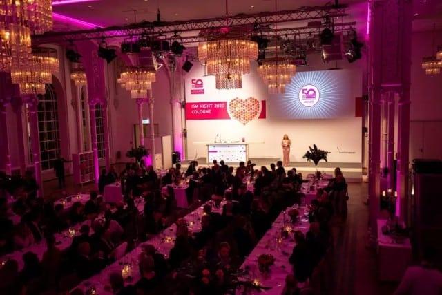 Bühnenbild und Saal Dekatrion einer Gala Veranstaltung