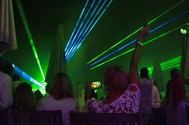 Lasershow zur Firmenfeier auf Golfplatz