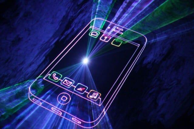 Lasershow Grafik schwebt im Raum als 3D Effekt